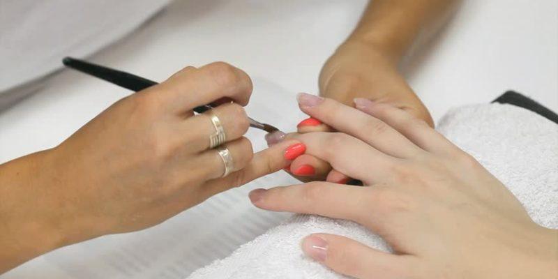 Benefits Of A Semi Permanent Nail Polish